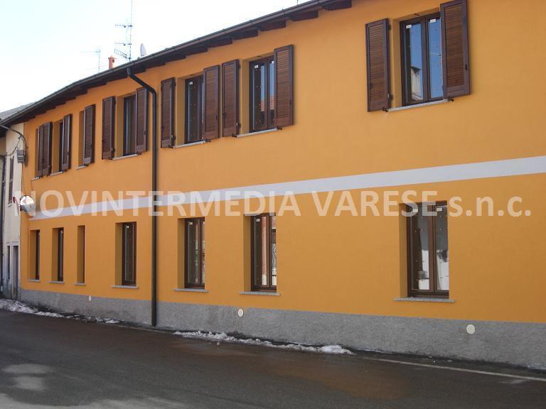 Appartamento in vendita a Crosio della Valle, 4 locali, zona Località: Vicinanze Varese, prezzo € 165.000 | Cambio Casa.it