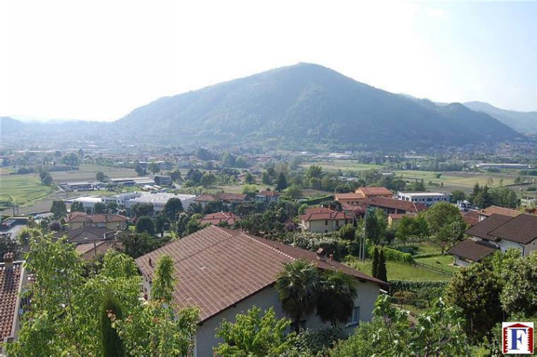 Appartamento in vendita a Brivio, 3 locali, prezzo € 125.000 | CambioCasa.it