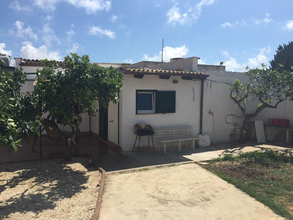 Villa casa 70 mq affitto trapani for Affitto arredato trapani