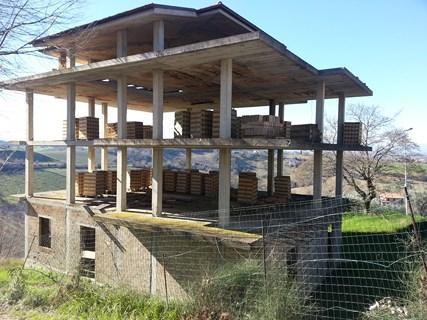 Vendesi palazzo in costruzione a Ponzano di Fermo (FM)