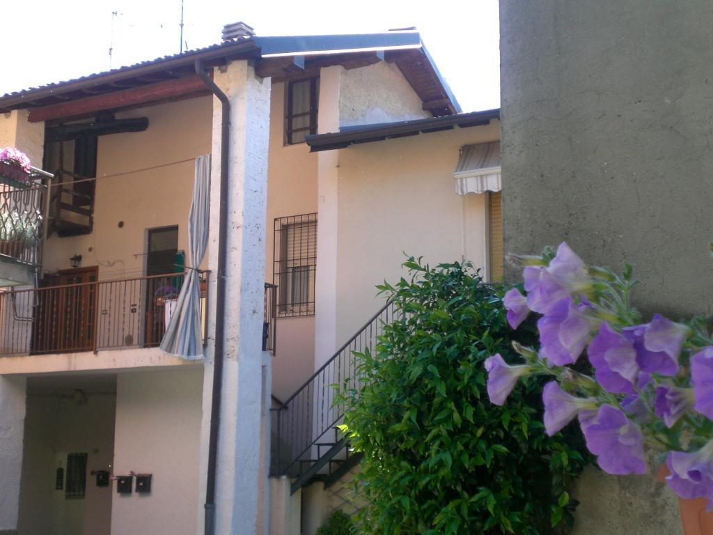 Bilocale Monticello Brianza Via Besozzi 2
