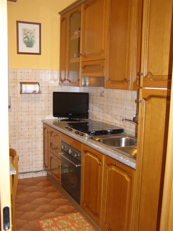 Bilocale Limbiate Via Trieste 120 3