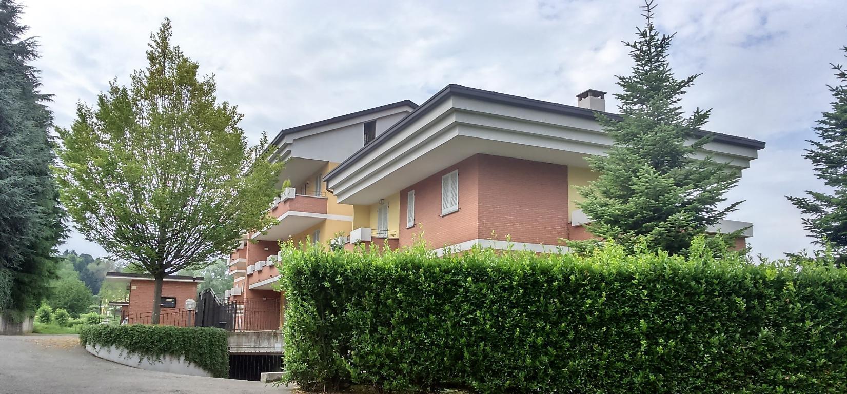 Appartamento in vendita a Monticello Brianza, 3 locali, zona Località: Semicentrale, prezzo € 240.000 | Cambio Casa.it