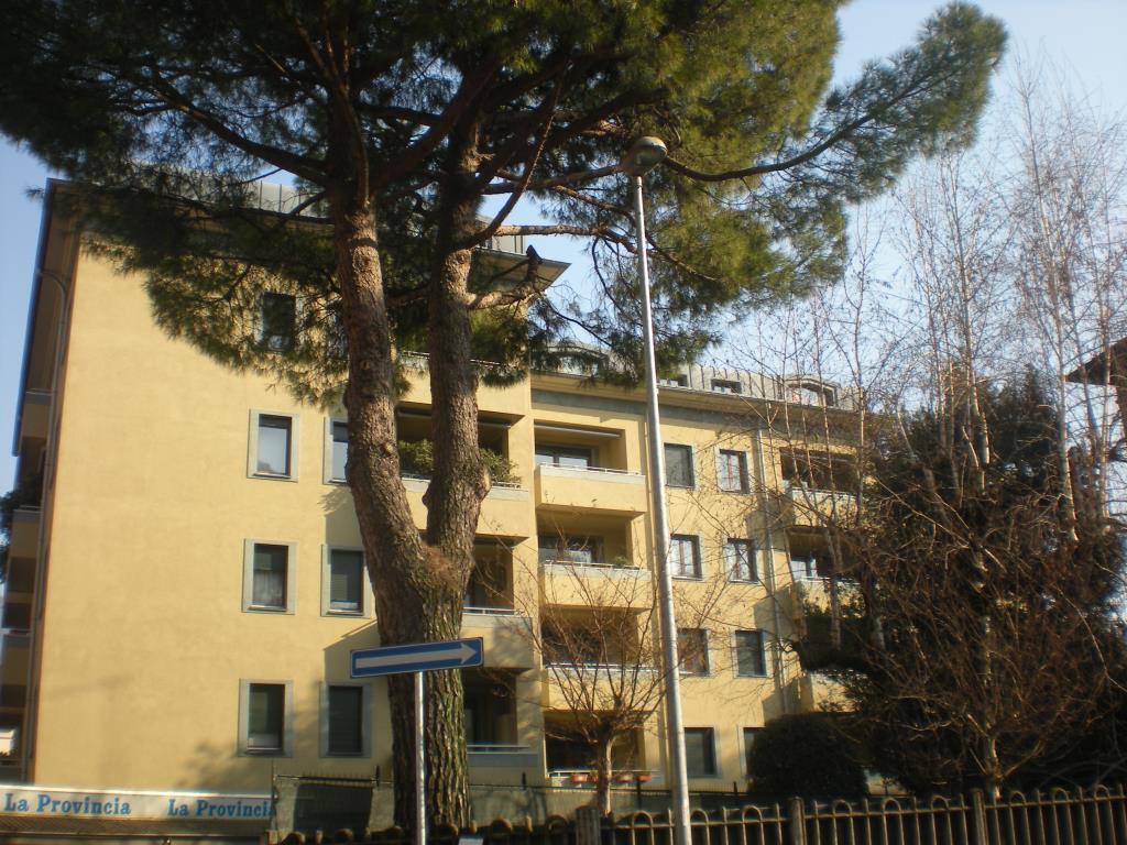Appartamento in affitto a Como, 3 locali, zona Località: Borghi, prezzo € 700 | Cambio Casa.it
