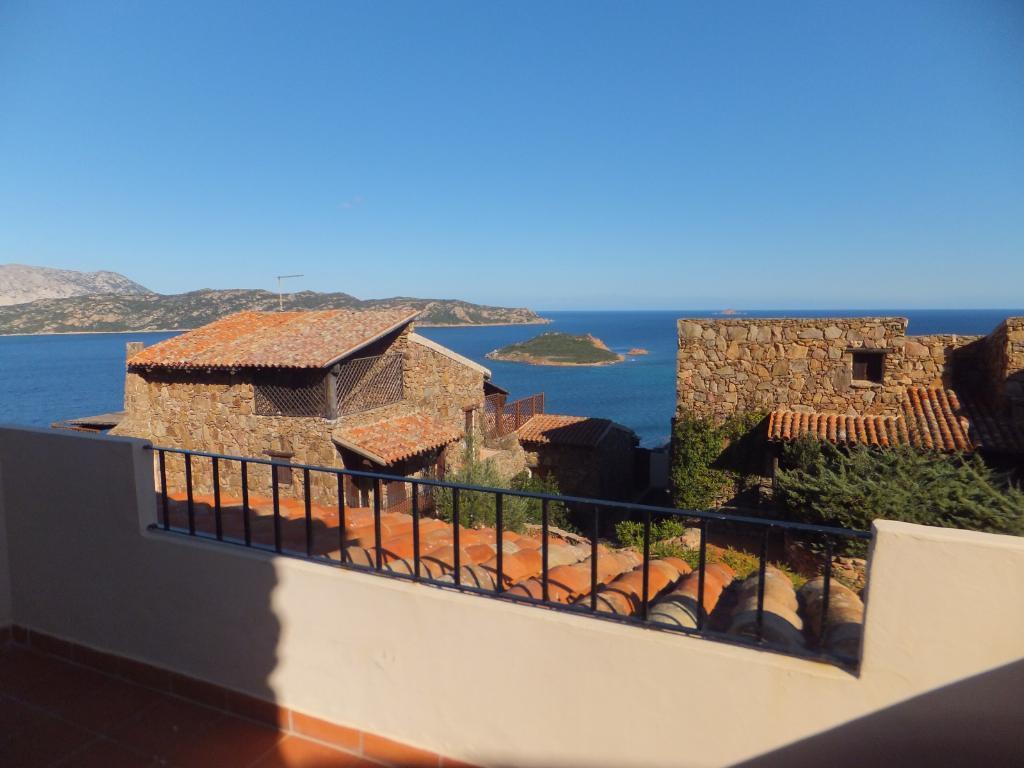 Appartamento in vendita a San Teodoro, 3 locali, prezzo € 375.000   Cambio Casa.it