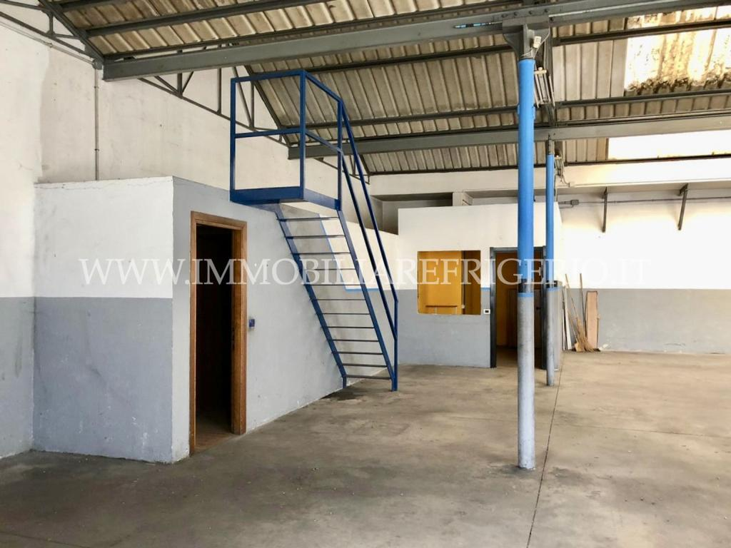 Magazzino Affitto Barzago 4464