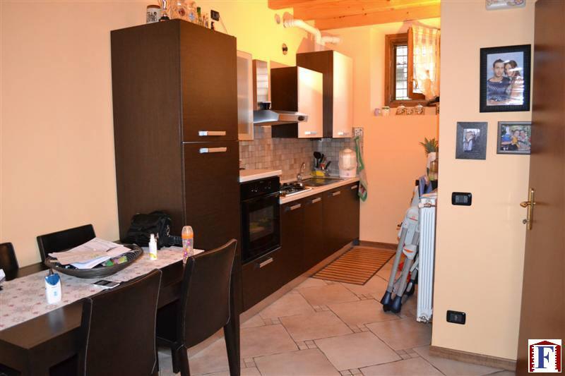 Appartamento in vendita a Pontida, 3 locali, prezzo € 150.000 | Cambio Casa.it