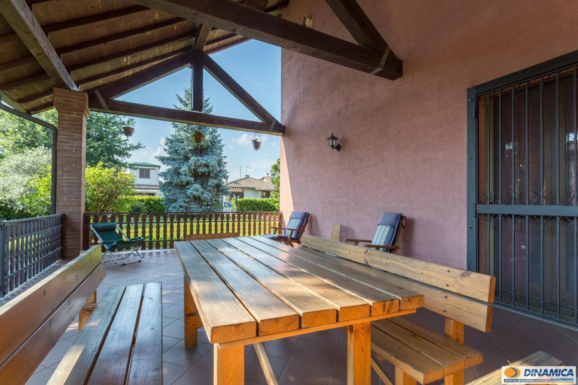Villa in vendita a Casatenovo, 6 locali, zona Località: Frazione, prezzo € 485.000 | CambioCasa.it