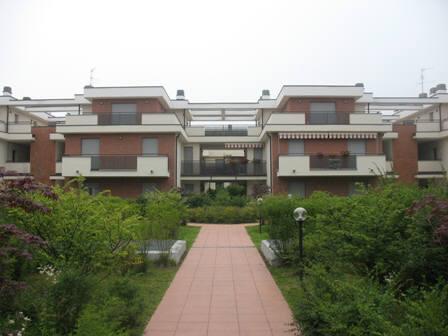 Appartamento in affitto a Mariano Comense, 2 locali, prezzo € 550 | Cambio Casa.it