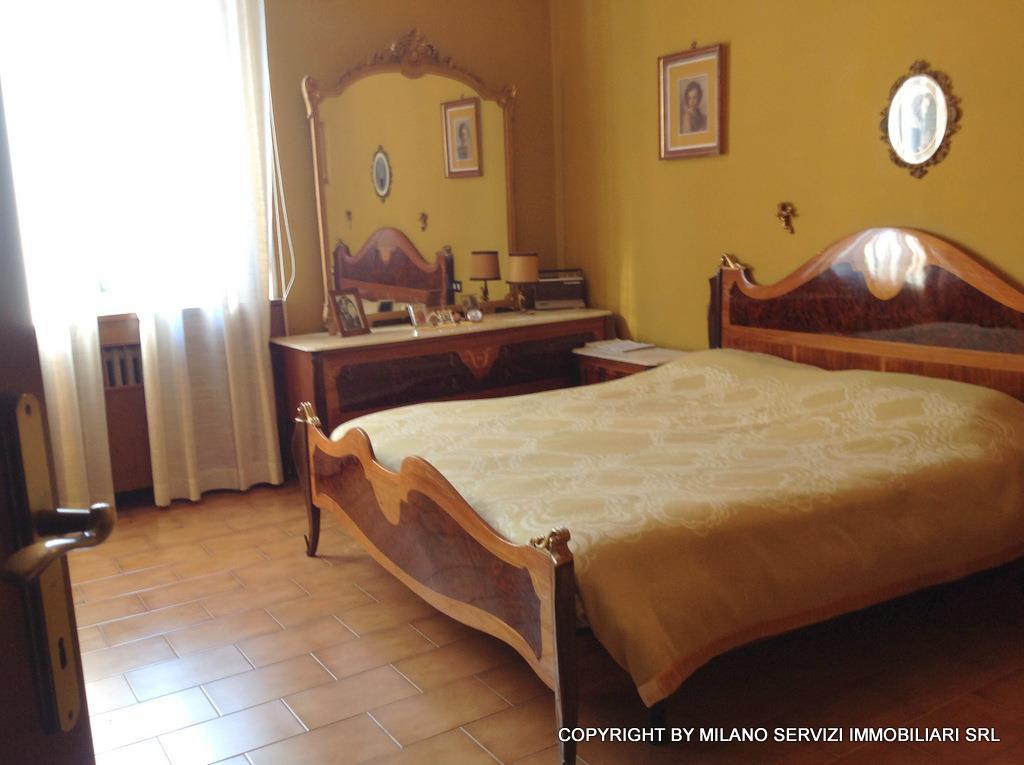 Bilocale Milano Via Guicciardi 6 9