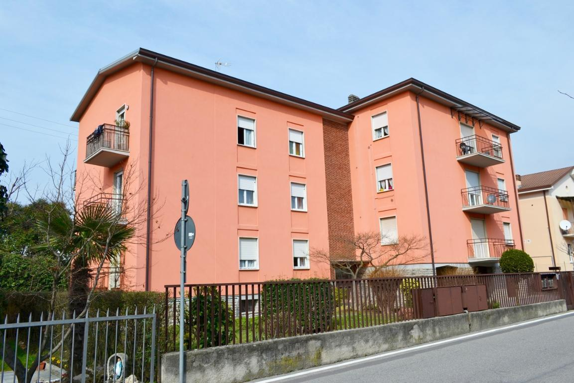 Appartamento in vendita a Cisano Bergamasco, 5 locali, prezzo € 130.000   Cambio Casa.it
