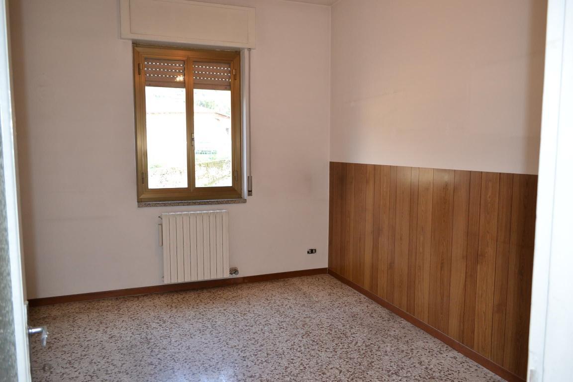 Soluzione Indipendente in vendita a Cisano Bergamasco, 3 locali, prezzo € 55.000 | Cambio Casa.it