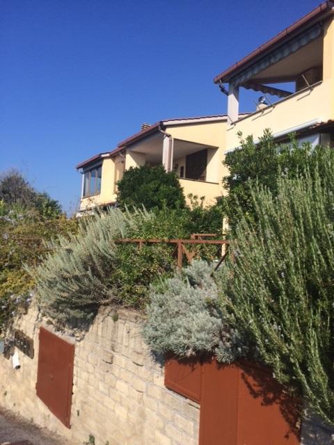 Bilocale Trevignano Romano Via Olivetello 5