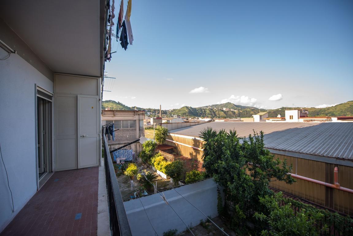 Bilocale Napoli Via Pisciarelli 1