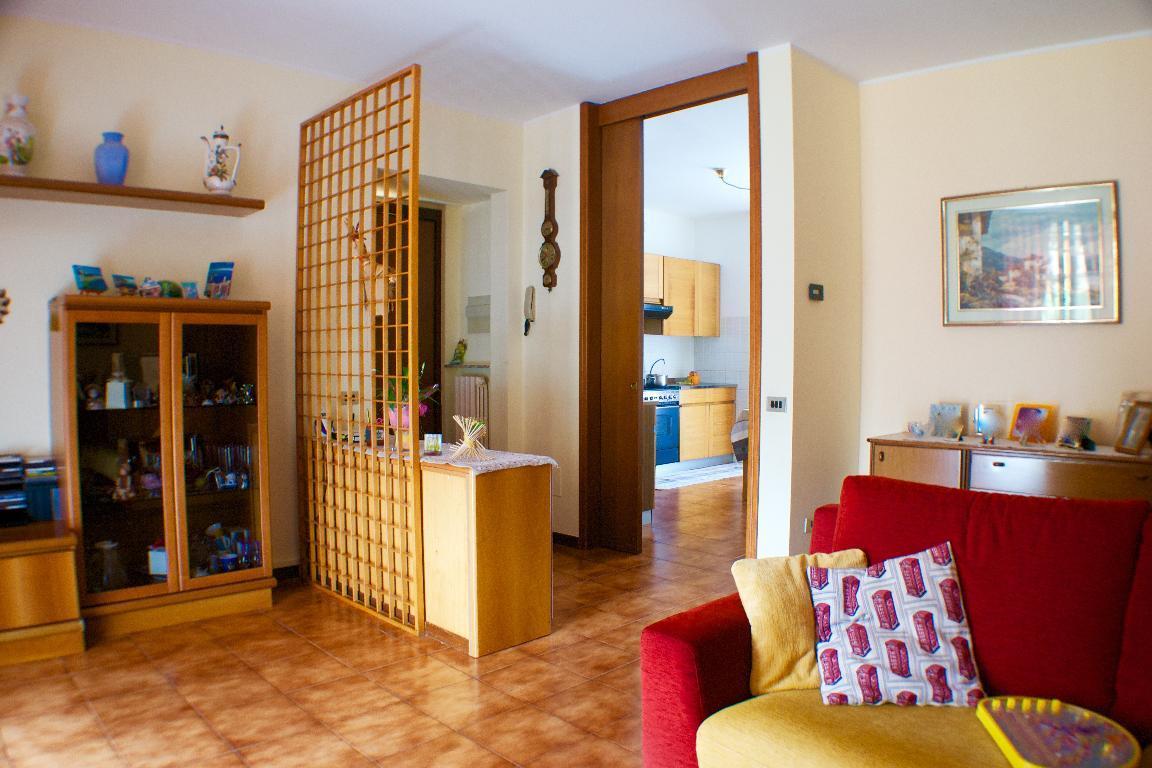 Appartamento in vendita a Monte Marenzo, 3 locali, prezzo € 130.000 | CambioCasa.it
