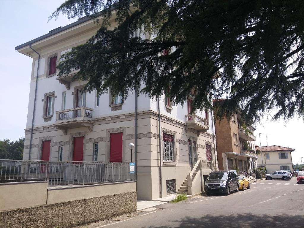 Appartamento in affitto a Besana in Brianza, 3 locali, zona Zona: Villa Raverio, prezzo € 600 | Cambio Casa.it
