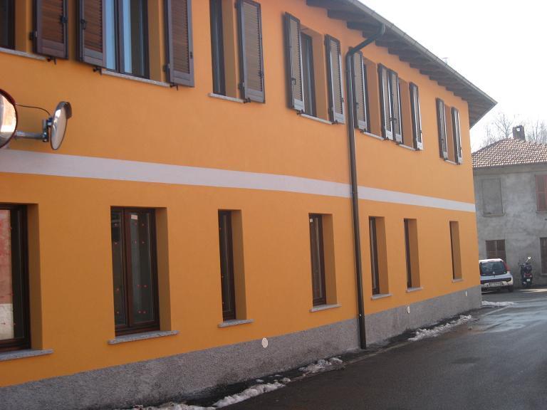 Bilocale Crosio della Valle Via Piave 1 2