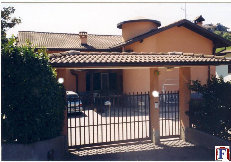 Villa in vendita a Torre de' Busi, 6 locali, zona Zona: Favirano, prezzo € 540.000 | Cambiocasa.it