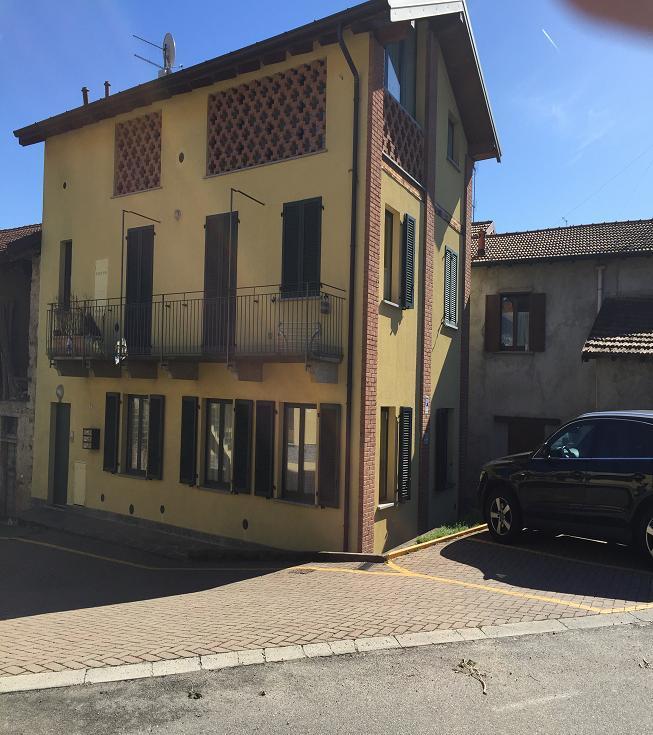 Attico / Mansarda in affitto a Daverio, 1 locali, prezzo € 470 | Cambio Casa.it