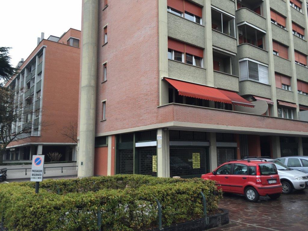 Negozio / Locale in affitto a Bologna, 9999 locali, prezzo € 950 | Cambio Casa.it
