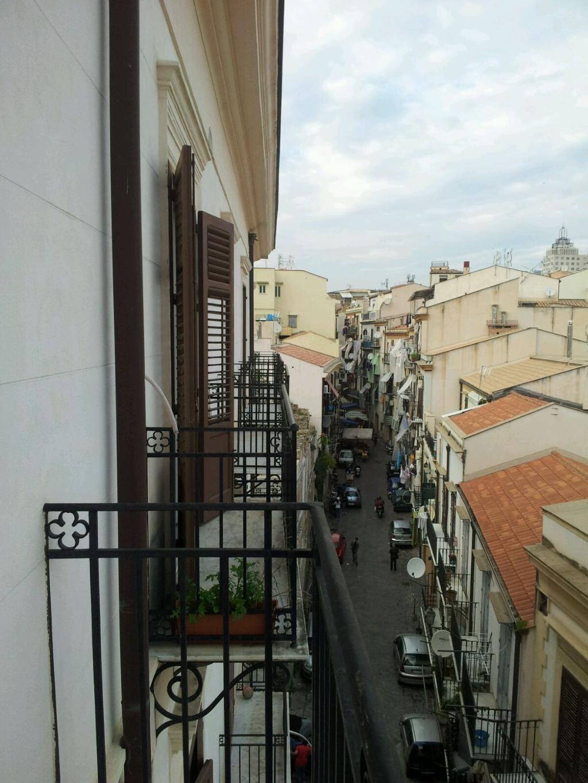 Bilocale Palermo Via Carrettieri 6