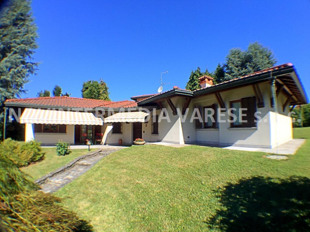 Villa in vendita a Brebbia, 6 locali, prezzo € 430.000 | Cambio Casa.it