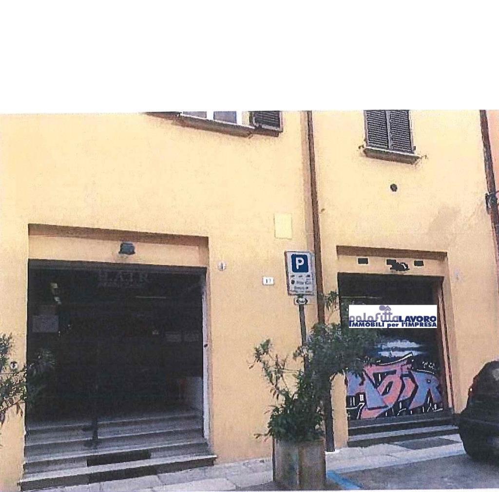 Negozio / Locale in affitto a Bologna, 9999 locali, prezzo € 2.600 | Cambio Casa.it