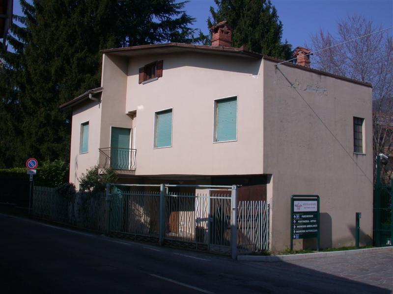 Soluzione Indipendente in vendita a Villa d'Adda, 8 locali, prezzo € 140.000 | Cambio Casa.it