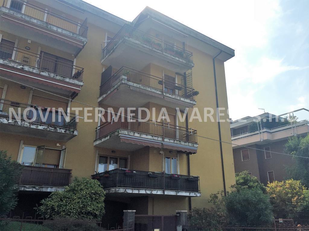Appartamento in vendita a Varese, 3 locali, prezzo € 138.000 | CambioCasa.it