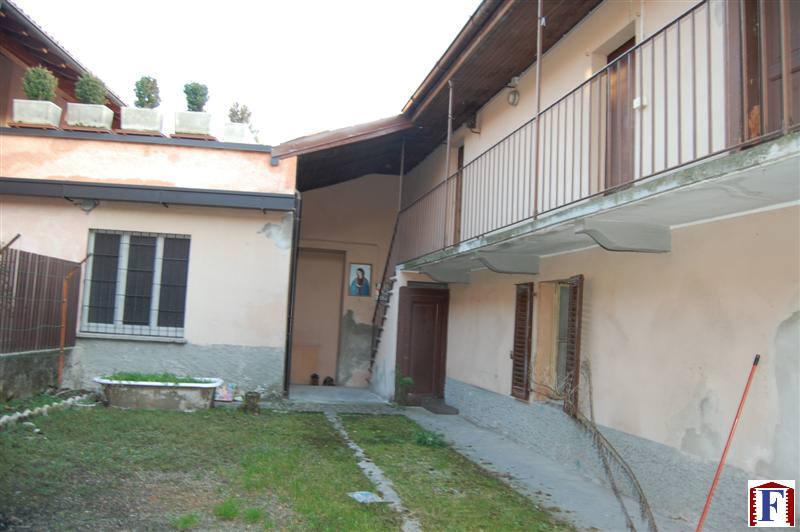 Villa in vendita a Cisano Bergamasco, 9 locali, prezzo € 155.000 | Cambio Casa.it