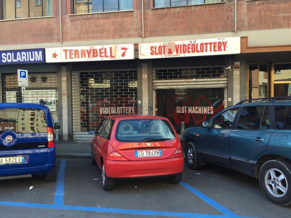 Negozio / Locale in affitto a Bologna, 9999 locali, prezzo € 1.500 | Cambio Casa.it