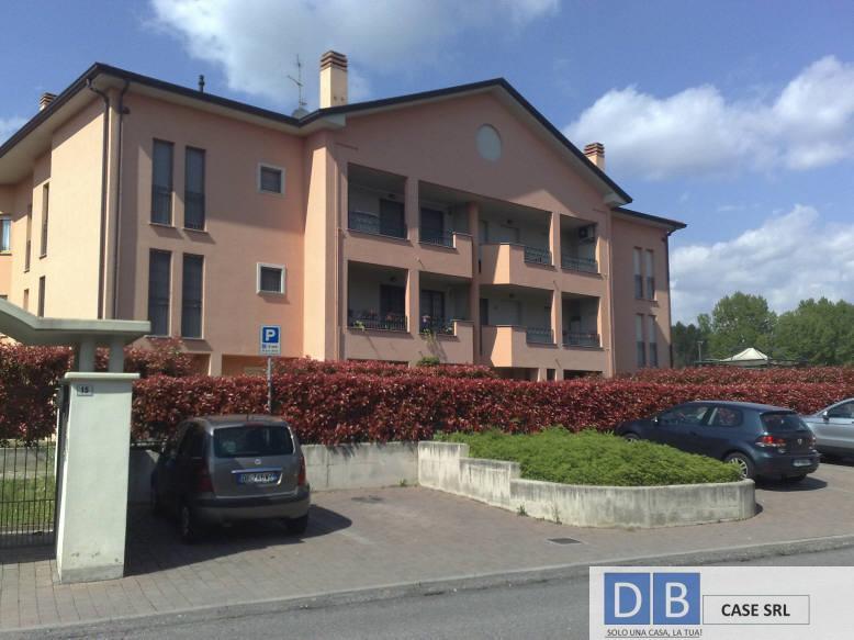 Appartamento in affitto a Usmate Velate, 2 locali, prezzo € 550 | Cambio Casa.it