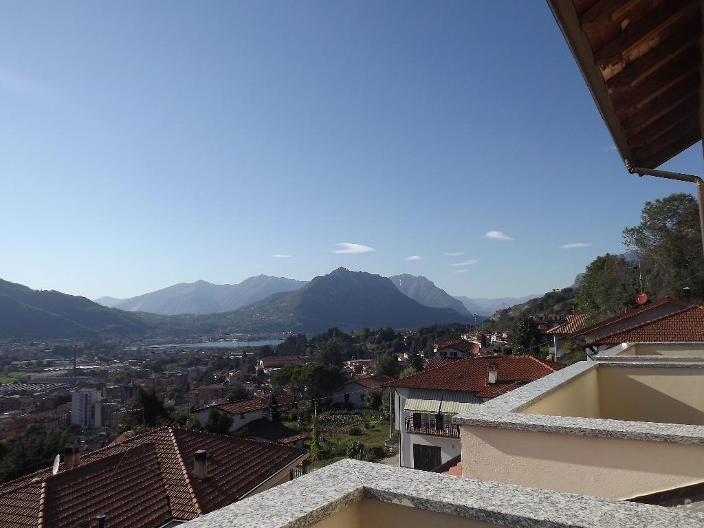 Villa in vendita a Calolziocorte, 5 locali, prezzo € 479.000 | Cambiocasa.it