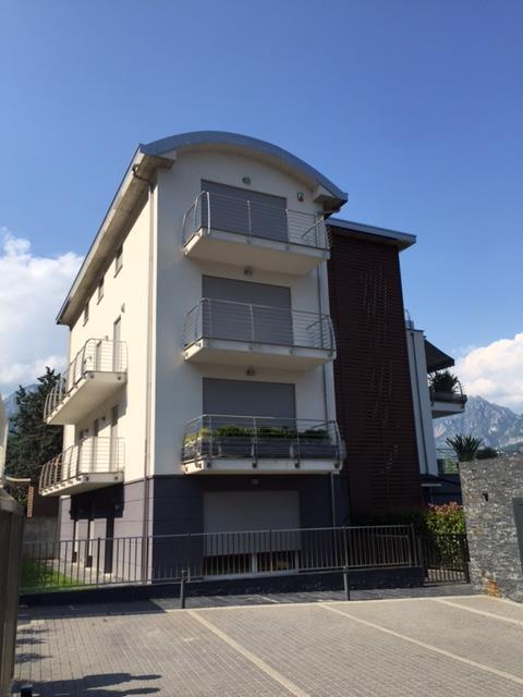 Appartamento in vendita a Pescate, 3 locali, prezzo € 290.000 | Cambio Casa.it