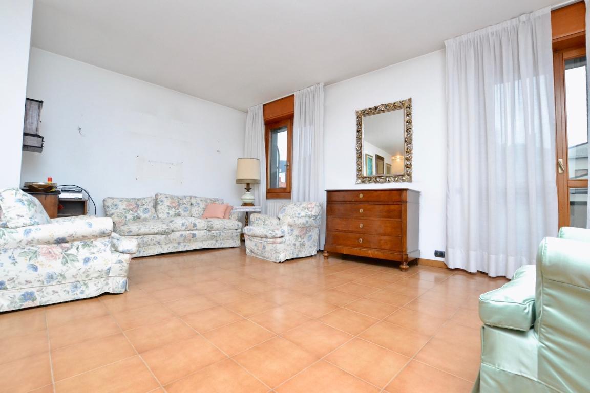 Appartamento in affitto a Cisano Bergamasco, 4 locali, zona Località: Centro, prezzo € 620 | CambioCasa.it