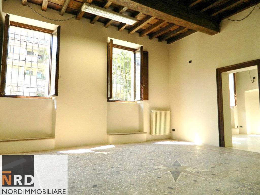 Appartamento, 170 Mq, Vendita - Mantova (Mantova)