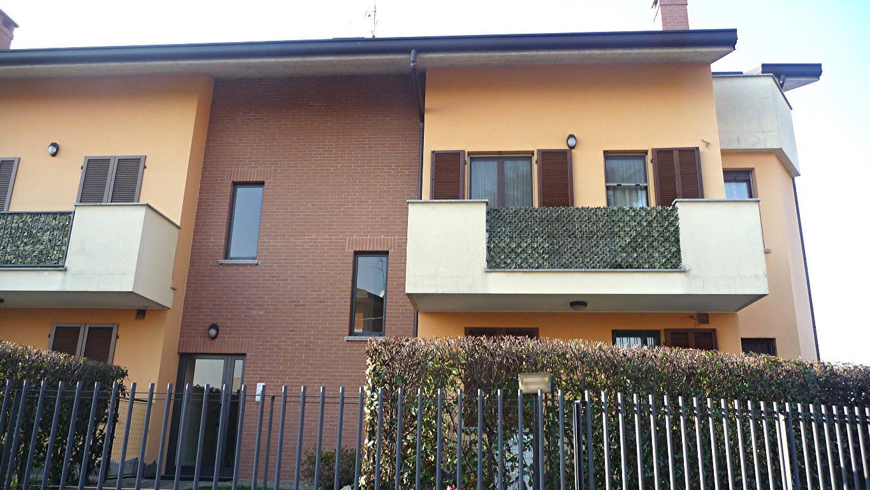 Bilocale Aicurzio Via Dante Allighieri 19 2