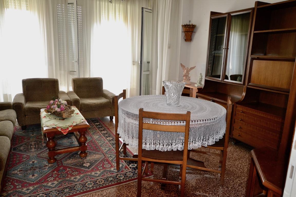 Appartamento in vendita a Pontida, 4 locali, zona Località: centrale, prezzo € 73.000 | CambioCasa.it