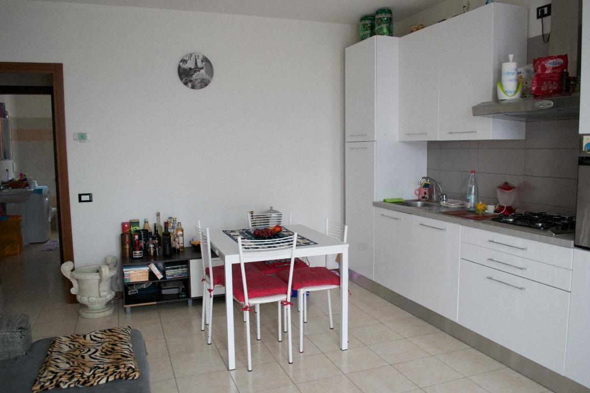 Appartamento in affitto a Palazzago, 2 locali, zona Località: residenziale, prezzo € 460 | Cambio Casa.it