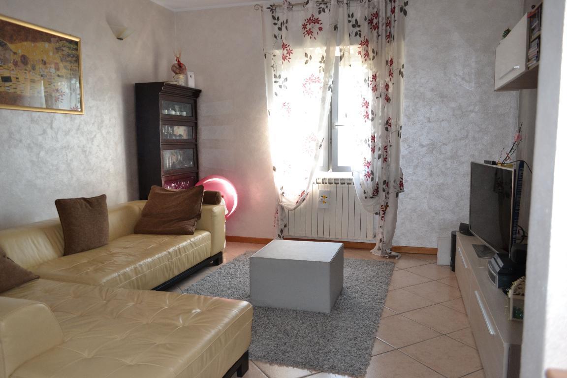 Appartamento in vendita a Pontida, 3 locali, zona Località: cerchiera, prezzo € 85.000 | CambioCasa.it