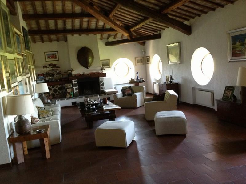 Rif. LC1651 Villa in vendita ad Alba Adriatica con giardino