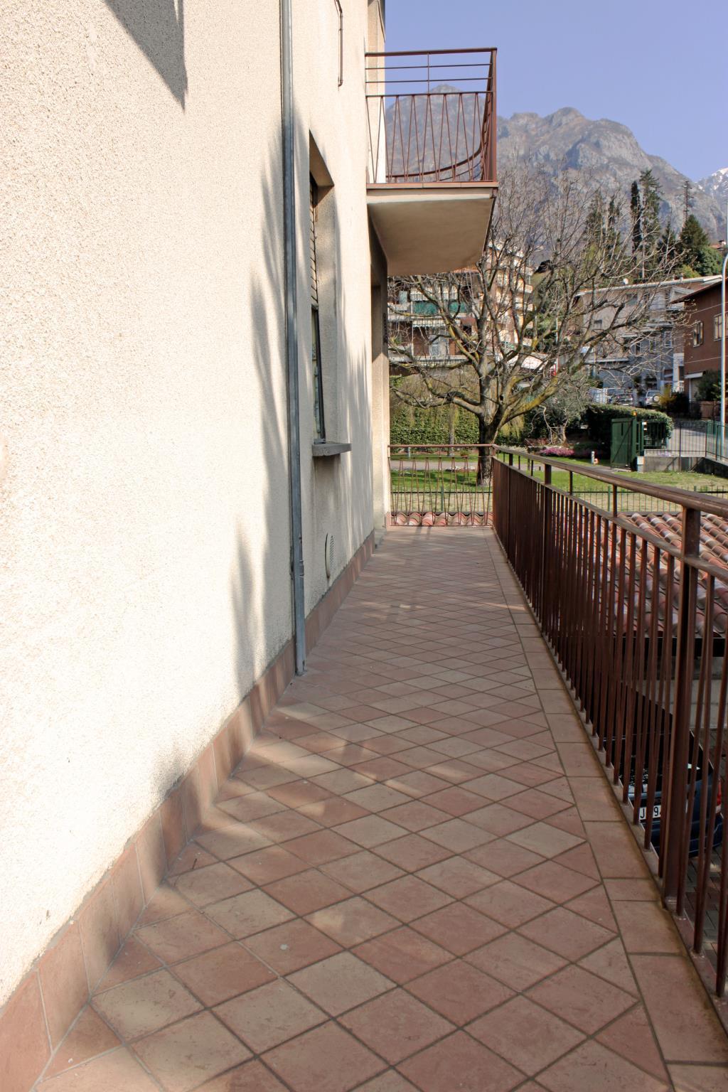 Bilocale Mandello del Lario Via Per Maggiana 7