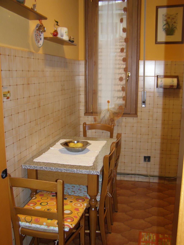 Bilocale Limbiate Via Trieste 120 4