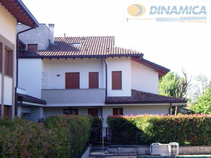Bilocale Lomagna Via Villaggio Dei Pini 1