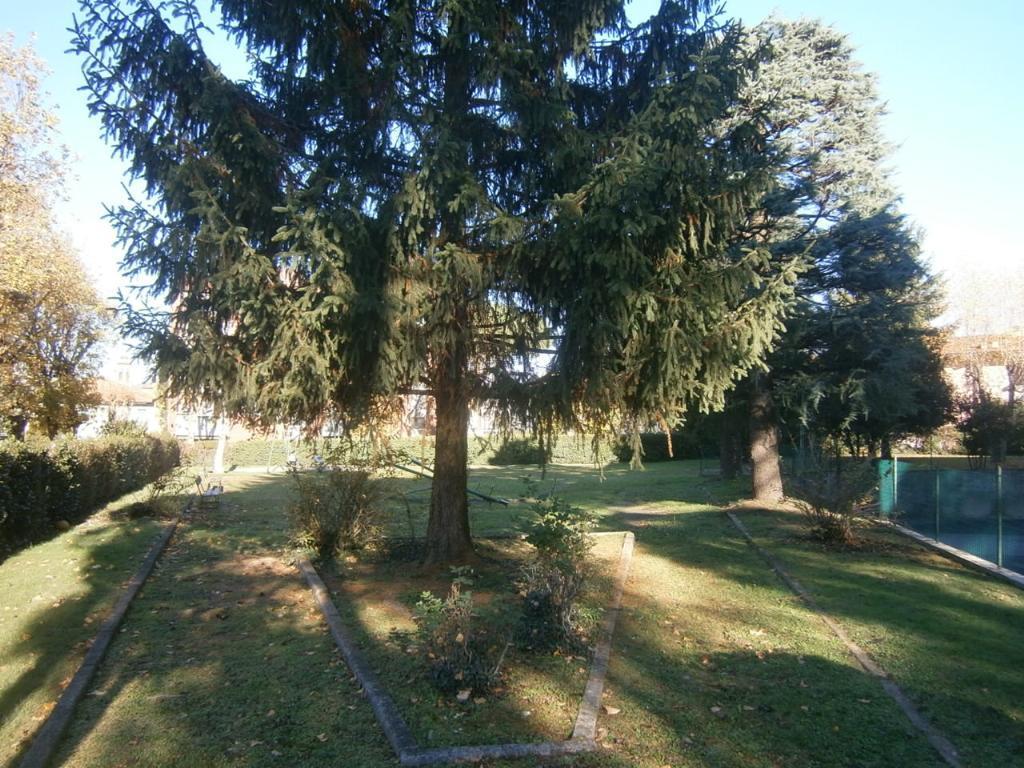 Bilocale Lomagna Via Pascoli 4 10