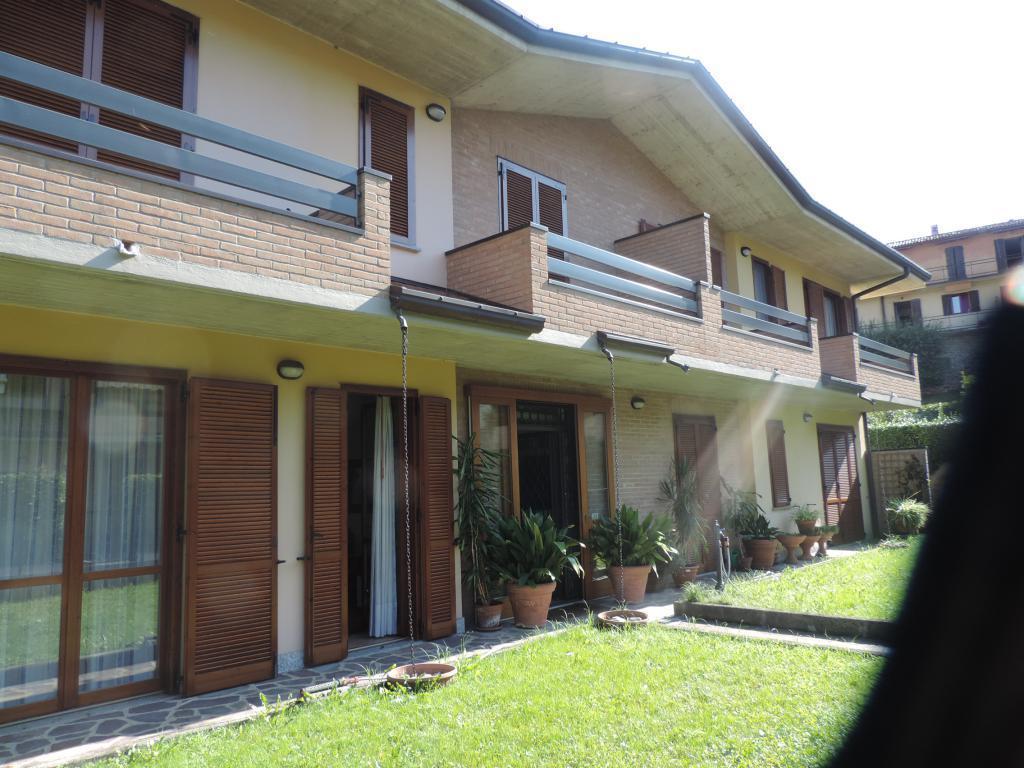 Appartamento in vendita a Pontida, 7 locali, prezzo € 339.000 | CambioCasa.it