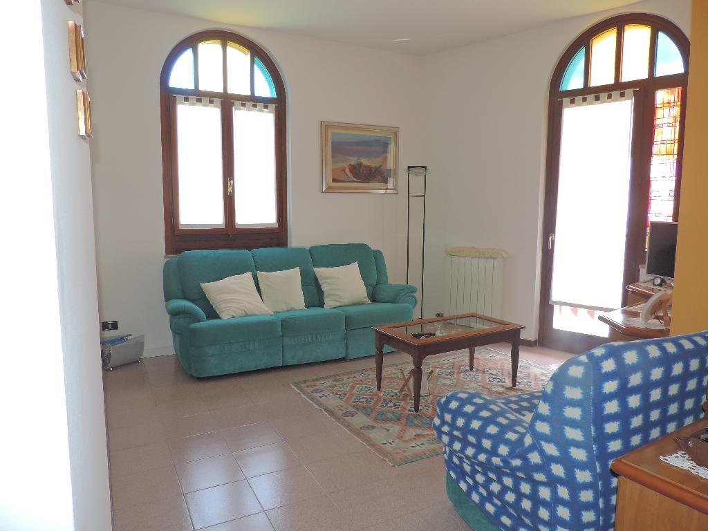 Appartamento in Vendita a Cisano Bergamasco