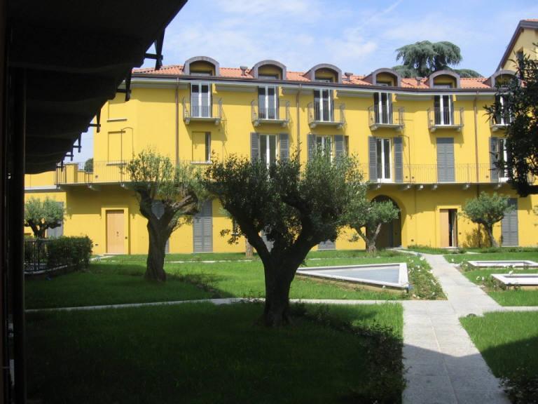 Appartamento in vendita a Monza, 4 locali, zona Località: Centro, prezzo € 750.000 | Cambio Casa.it