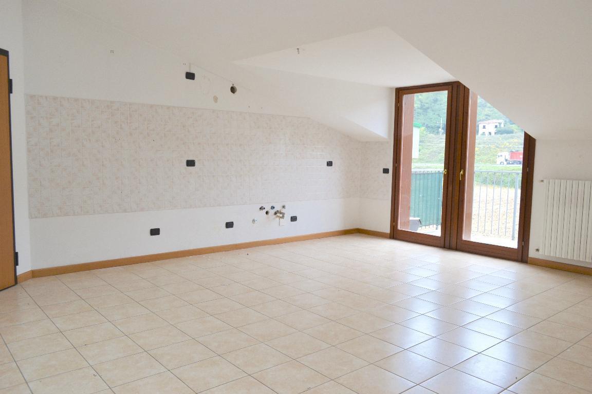 Appartamento in affitto a Cisano Bergamasco, 3 locali, prezzo € 450 | Cambio Casa.it
