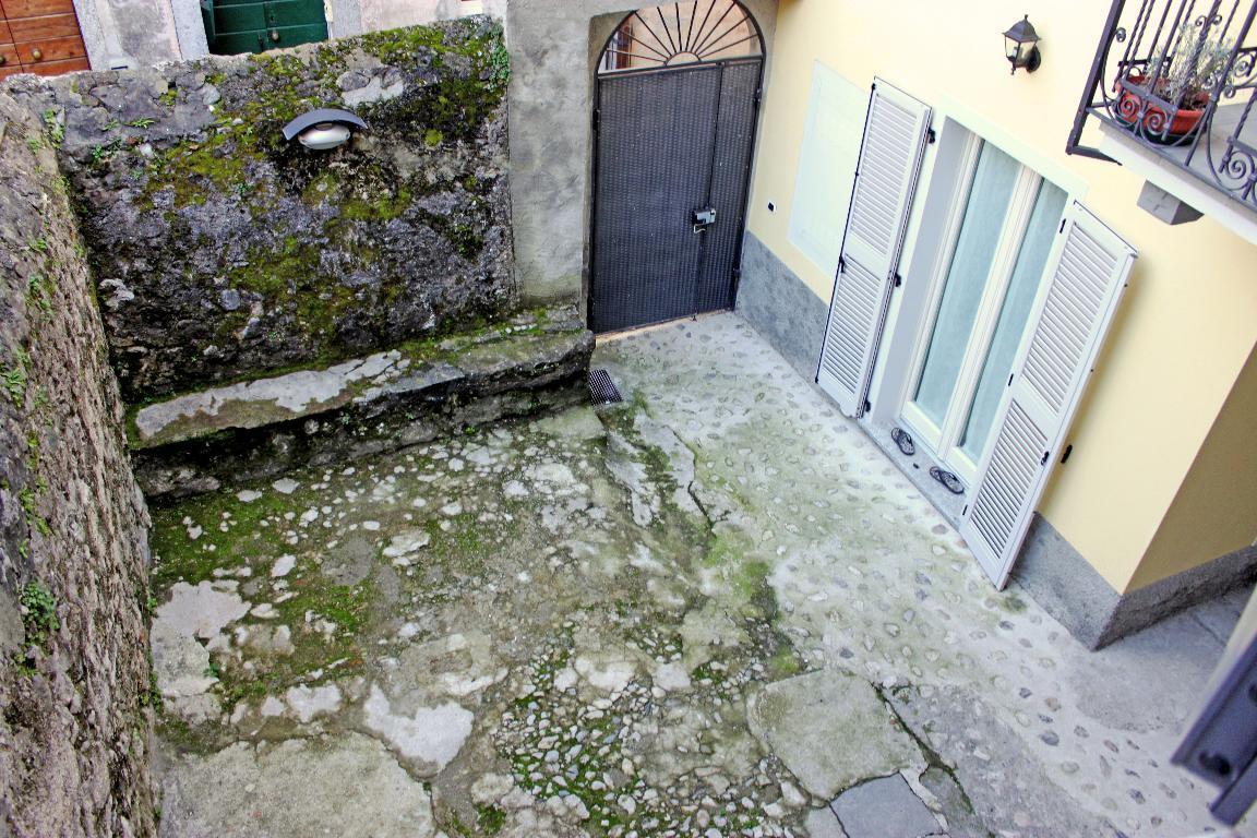Bilocale Mandello del Lario Via Montello 21 6